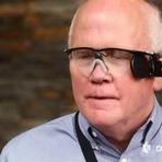 Curiosidades - Graças a olho biônico, homem enxerga pela primeira vez em 33 anos