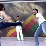 Fátima Bernardes leva tombo ao vivo durante luta de capoeira; veja vídeo...
