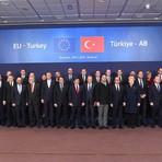 Opinião e Notícias - União Europeia e Turquia se reúnem para discutir crise de refugiados