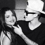 Celebridades - Selena Gomez nega namoro com Justin Bieber