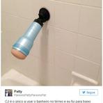 Mãe encontra brinquedo íntimo no banheiro do filho