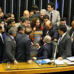 Impeachment regido por Cunha faz Congresso parecer cassino de filme de gangsters