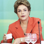 Campanha contra Dilma, afronta de Israel e mercado financeiro