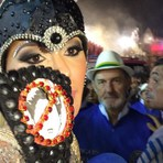 Fotos inéditas da expulsão da modelo Ju Isen do Carnaval de São Paulo