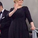 """Curiosidades - Adele...""""uma cantora, compositora e multi-instrumentista britânica nascida em Tottenham, Londres e criada no sul da cida"""