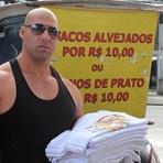 """Entretenimento - """"Vin Diesel"""" vende panos de prato para enfrentar a crise"""