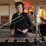 Tecnologia & Ciência - Paul McCartney cria novos sons para emojis do Skype